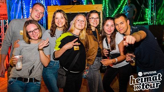 Partypeople bei der Aftershowparty bei der Matschfußballmeisterschaft in Wöllnau