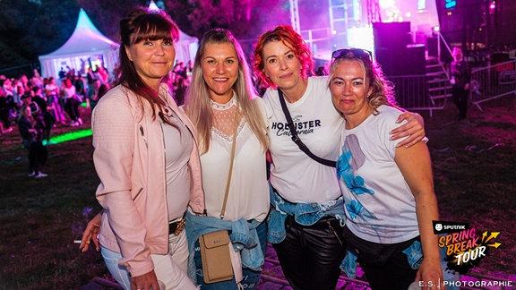 Die schönsten Fotos von der lang ersehnten SPUTNIK SPRING BREAK Tour in Großkayna!