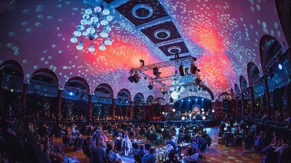 Was für ein grandioser Abend! Hier sind die schönsten Bilder von Friends of Vize - das SPUTNIK Konzert mit VIZE, ihren Freunden und DIR!