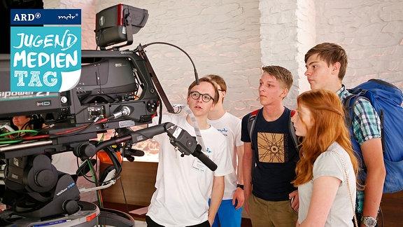 Jugendliche vor der Kamera