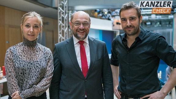 Martin Schulz zusammen mit Sissy Metzschke und Tobi Schäfer