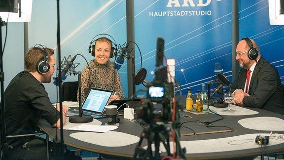 Blick ins Kanzlercheck-Studio mit Martin Schulz