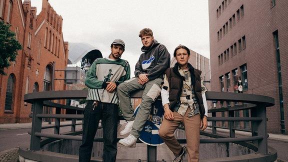 01099 wurden von MDR SPUTNIK für den New Music Award 2021 nominiert.