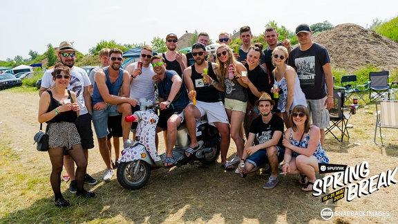 Eine Gruppe von Festivalbesuchern des SPUTNIK SPRING BREAK 2018.
