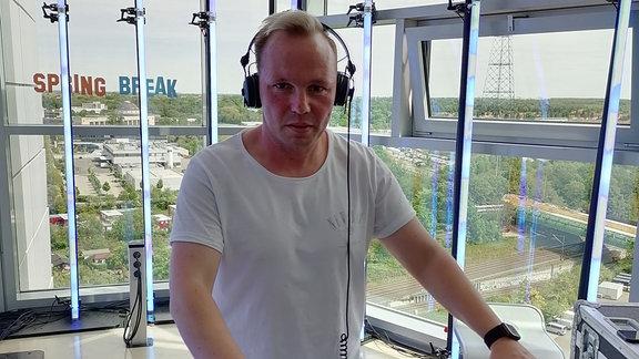 DJ Tomb B