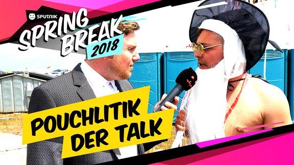 Ein Reporter befragt Gäste auf dem SPUTNIK SPRING BREAK 2018.