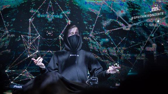 Alan Walker auf der Bühne in der Festung Mark