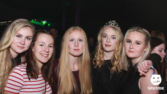 Fünf Mädels bei der Heimattour in Grimma.