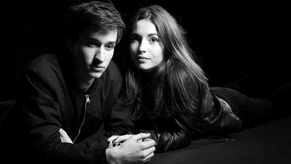 Hannah & Falco in Schwarz/Weiss.