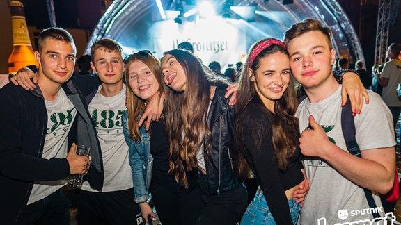 Feierwütige bei der Heimattour in Krostitz