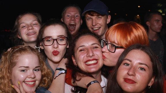 Partypeople auf der Heimattour beim Laternenfest in Halle