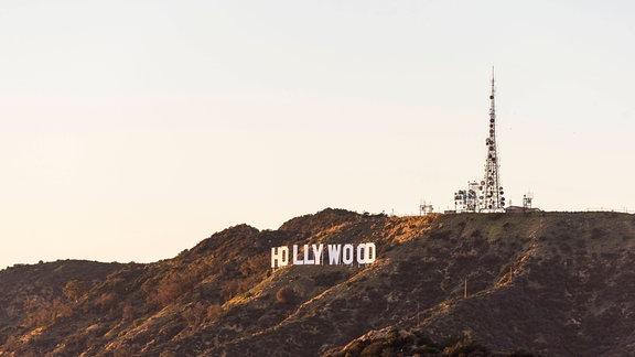 Hollywood Schriftzug auf einem Berg in Los Angeles, Californien.