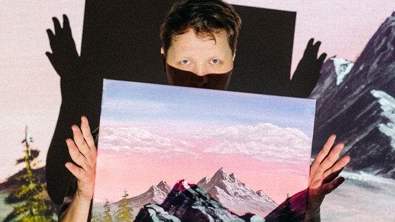 Kalipo mit einem selbstgemalten Bob Ross Bild. Nice.