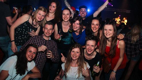 Feiernde auf der SPUTNIK Heimattour in Dresden