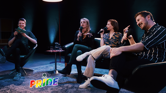Kai mit seinen Gästen beim ersten Sputnik pride Live-Podcast.