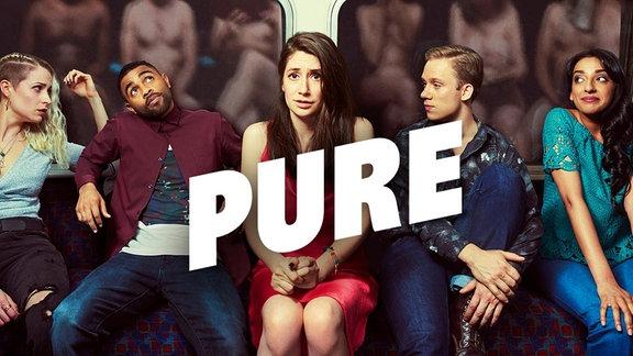 Hauptfigur Marnie sitzt zwischen diversen Personen. Ihre Gedanken kreisen um Sex. Wir sehen das nicht, aber wir wissen es. Es ist nämlich der Inhalt der Serie.