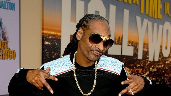 Snoop Dogg feiert sich selbst mit großer Geste