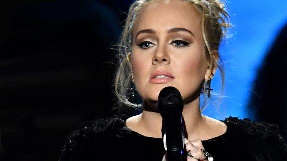 Adele @Staple Center/L.A.