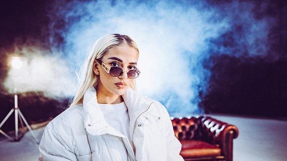 Loredana, Loredana Zefi ist eine Schweizer Rapperin und Influencerin aus Emmenbrücke im Kanton Luzern/Schweiz
