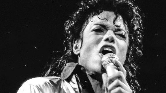 Michael Jackson während eines Konzerts