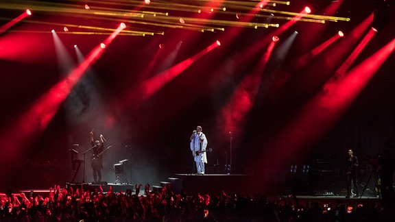 30 Seconds to Mars performen in Dubai (2015)