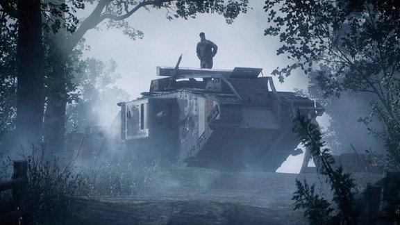 Panzer mit Mann im Wald