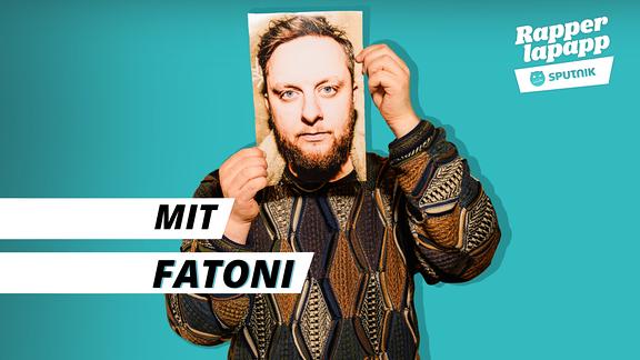 Rapper Fatoni mit Rapperlapapp Logo