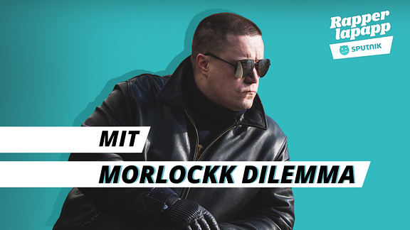 Rapper Morlockk Dilemma mit Sonnenbrille und Lederjacke und Rapperlapapp Logo