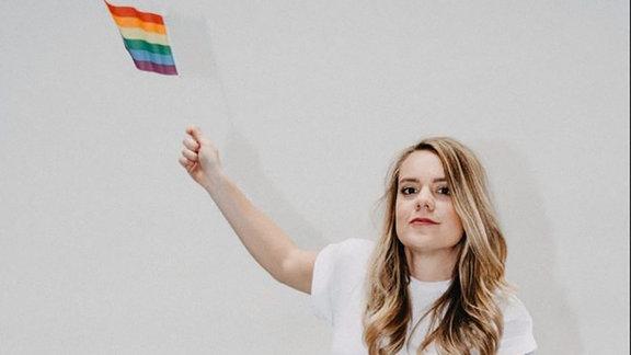 Ricarda ist teil des lesbischen Podcasts Busenfreundinnen.