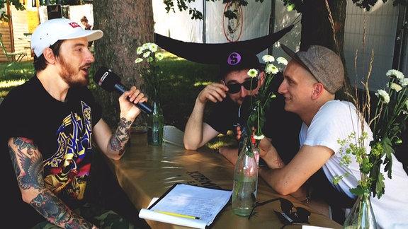 Steffen und Felix von Kraftklub im Interview mit Casper