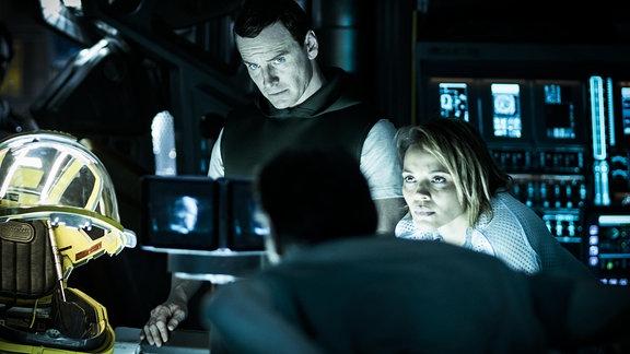 Michael Fassbender (hier als David) und Carmen Ejogo (Karine) scheint etwas aufzufallen