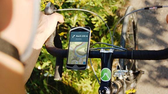 Komoot Navigation via Smartphone am Fahrradlenker