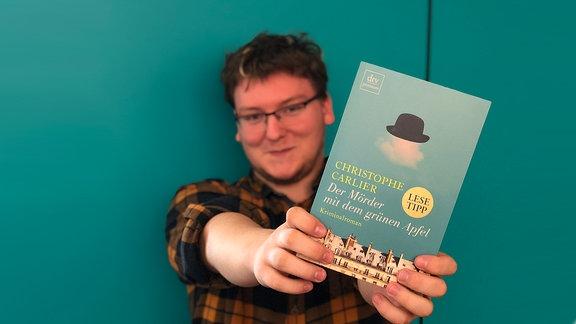 """Paul aus Halle präsentiert sein Sommerbuch: """"Der Mörder mit dem grünen Apfel"""""""
