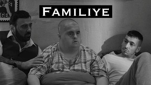 "Plakatausschnitt Film ""Familiye"", mit Kubiley Savikaya, Muhammed Kirtan, Arnel Taci (v.li.)"