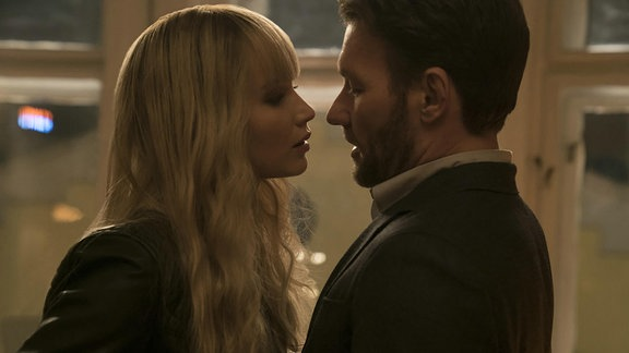 "Filmszene aus ""Red Sparrow"" mit Jennifer Lawrence und Joel Edgerton"