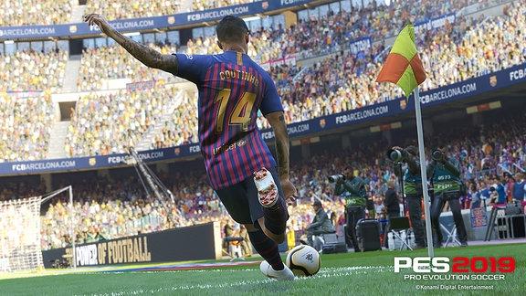 Barcelonas Coutinho bei Eckstoß (PES 19)