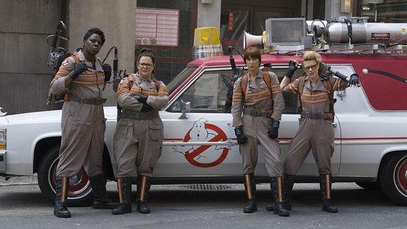 Leslie Jones II, Melissa McCarthy, Kristen Wiig und Kate McCarthy (v.l.) sind die Geisterjägerinnen im aktuellen Ghostbusters-Film