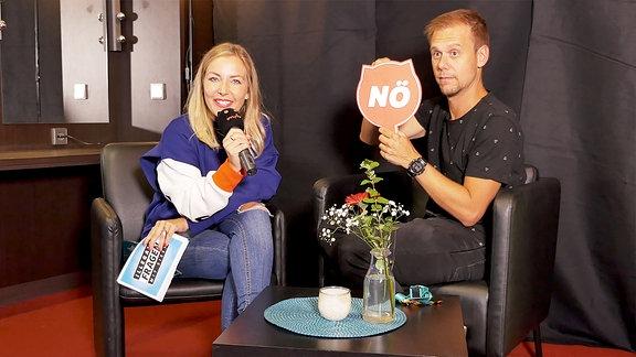 """Armin van Buuren stellt sich Sissys """"Illegalen Fragen"""""""
