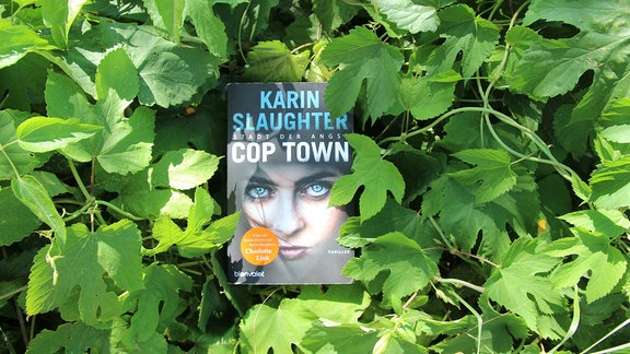 """Cover """"Cop Town- Stadt der Angst"""" von Karin Slaughter"""