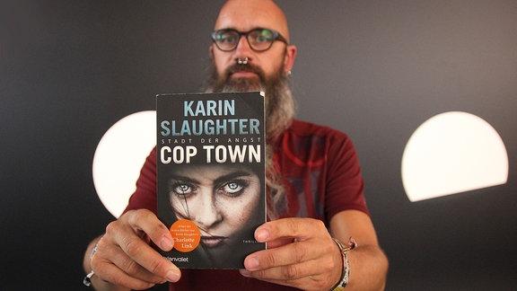 """Maik aus Wolfen empfiehlt: """"Cop Town- Stadt der Angst"""" von Karin Slaughter"""