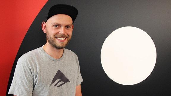 Nico, Nachrichtenredakteur bei SPUTNIK Tag und Wach