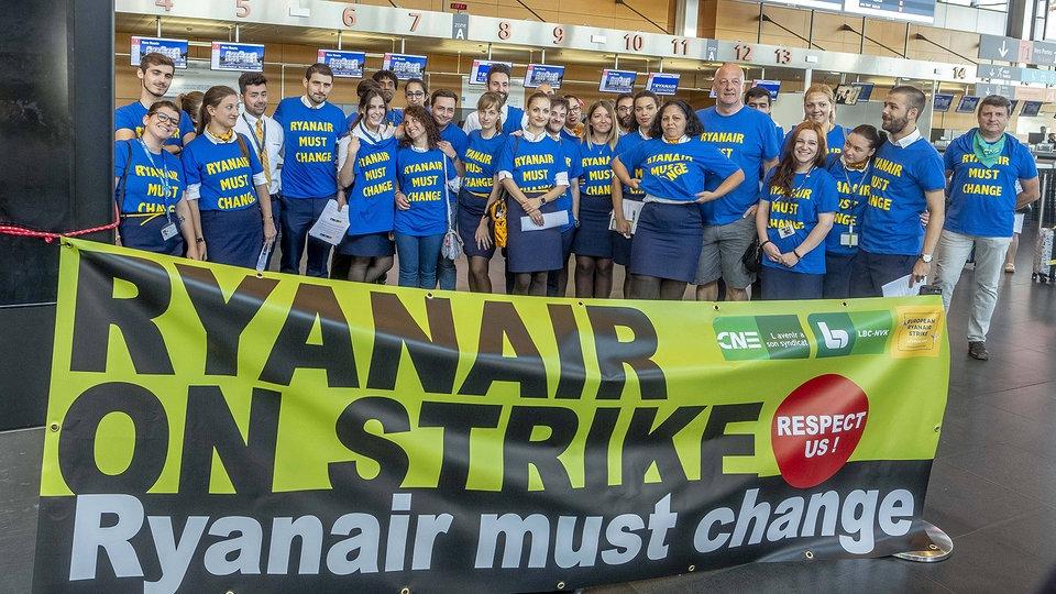 Ryanair Pilot Packt Aus