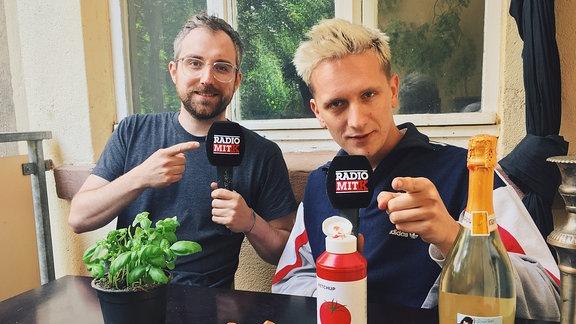 """Steffen Israel und Felix Brummer laden in """"Radio mit K"""" zum Frühstück"""