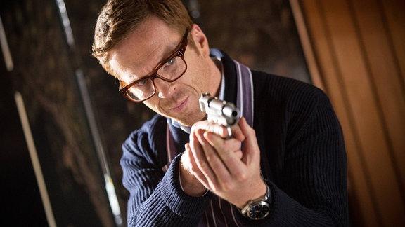 """Schauspieler Damian Lewis in seiner Filmrolle als Hector in """"Verräter wie wir"""""""
