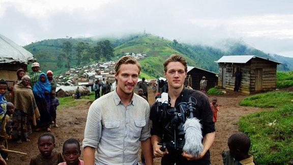 Die Weinert Brothers bei den Dreharbeiten im Kongo
