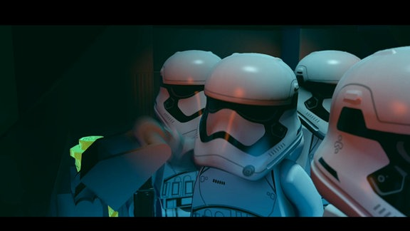"""Screenshot aus dem Spiel """"Lego Star Wars: Das Erwachen der Macht"""": Stormtrooper aus Lego"""