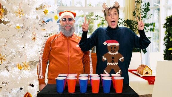 SPUTNIKer Christoph und Vani van Morgen in weihnachtlicher Stimmung.