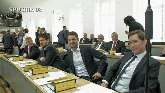Der frischgebackene  Landtagsabgeordnete Florian Philipp (CDU) an seinem ersten Arbeitstag im Parlament