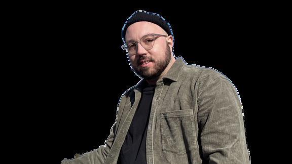 Marvin Standke moderiert den Podcast Deine & Meinung.