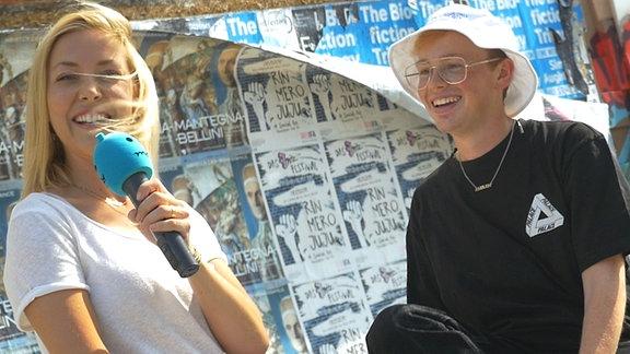 Fashion Blogger Erik Scholz und SPUTNIKerin Sissy bei den Illegalen Fragen.